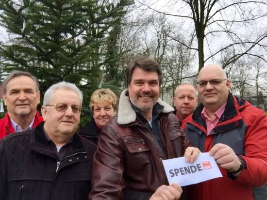 v.l.: Wolfgang Pfuhl, Wolfgang Paul (Vorsitzender Förderverein Heideblümchen Park), Sandra Sieger, Michael Thews (MdB), Holger Kahl (Ratsherr), Bruno Sieger